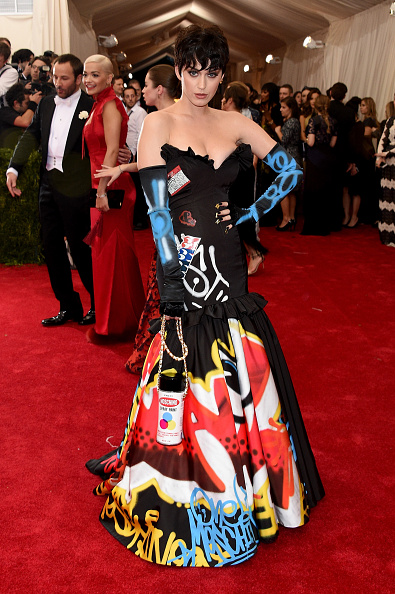 Katy Perry made a statement in this Moschino gown and gloves by Jeremy Scott.