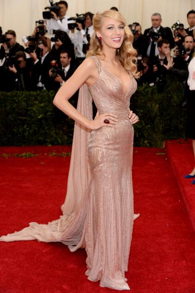 Gossip Girl Blake Lively exudes old Hollywood glamour in this Gucci Premiere gown.