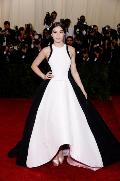 Hailee Steinfeld wears the monochromatic black and white trend with this Prabal Gurung gown.